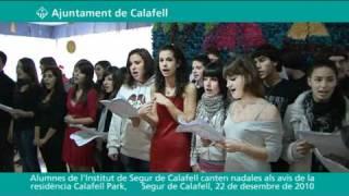Cantada de nadales als avis de la Residència Calafell Park