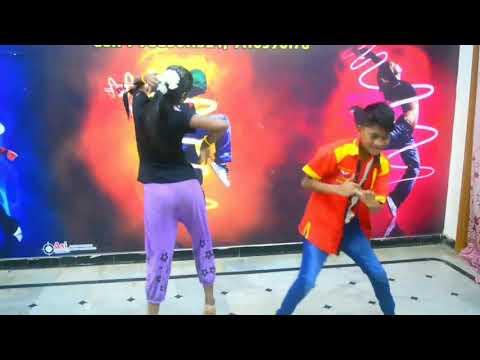 MADHU & SANJU SRI children performance in (Jakanna)..you are my darling go...
