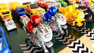 Toy Cars and Motorcycle Slide Bro rong play, Sliding Cars Video for kids NEW!