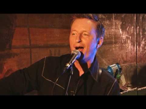 Billy Bragg - A New England - Suggs in the City Show 2