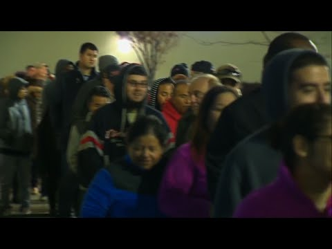 Shoppers Get Head Start on Black Friday