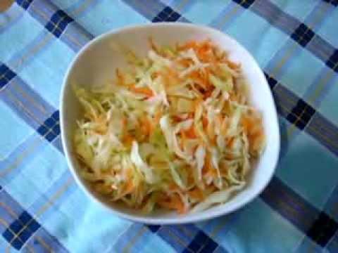 Салат из свежей капусты с огурцами и перцем