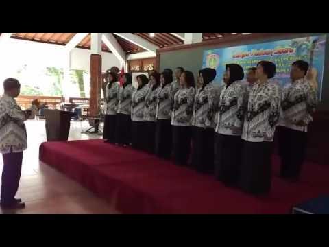 Hymne PGRI juara 1 lomba paduan suara UPTD Dikpora Kec.  Kebumen