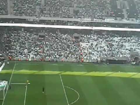 Beşiktaş JK - Osmanlispor' un mačin önçesi, VODAFONE ARENA açiliş müziği