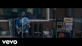 Смотреть клип Michael Kiwanuka - Rule The World