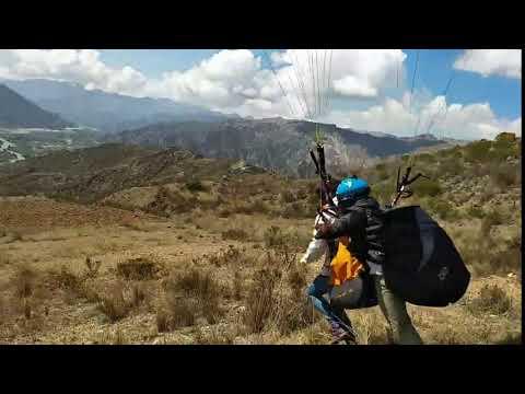 Despegue en parapente en La Paz, Bolivia