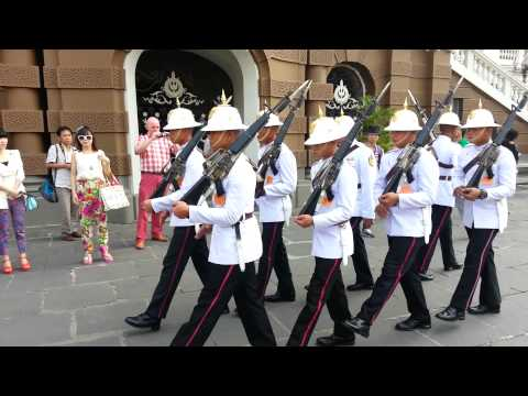 Thai Army - Change of Guards @ Wat Phra Kaew