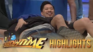 It's Showtime: Jhong and Jugs accidentally fall into each other in It's Showtime stage