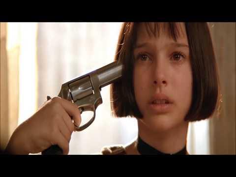 사랑받지 못한 킬러와 소녀의 첫 사랑 영화 레옹 1분 리뷰입니다.
