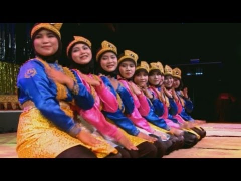 Tari Saman (Saman Dance) - Kosentra Group