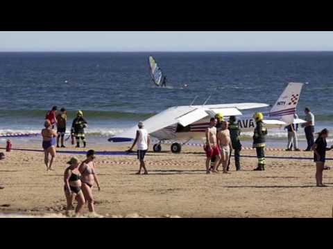 Video shows plane crash landing on Portuguese beach