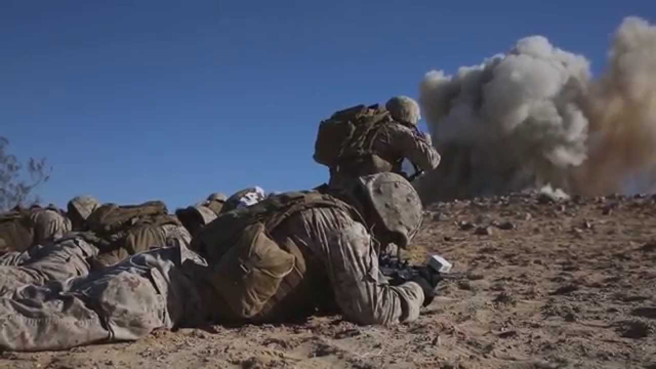 Marine Riflemen Conduct Offensive Operations - YouTube