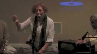 Christine Ghezzo performs Raga Puriya Dhanashree  / Joining on an Indian Classical Music Recital