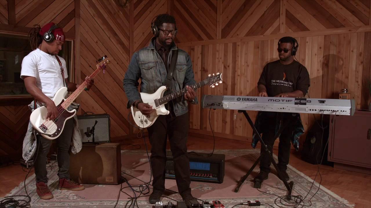 "Kerry ""2 Smooth"" Marshall | TheMusicianShip.org - YouTube"