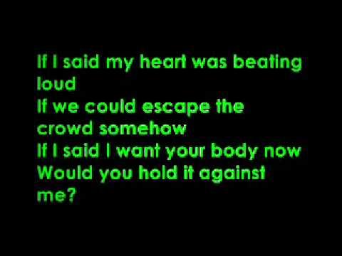 britney spears-hold it against me lyrics