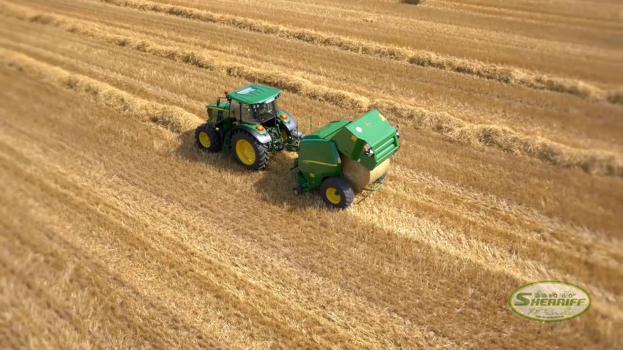Have a look at the new John Deere F411R Baler