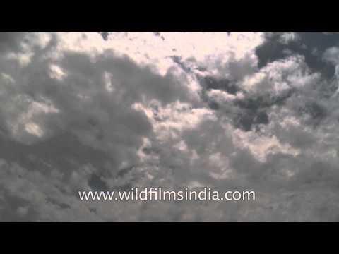 Sky with moving clouds : Bhagsunath - Dharamshala