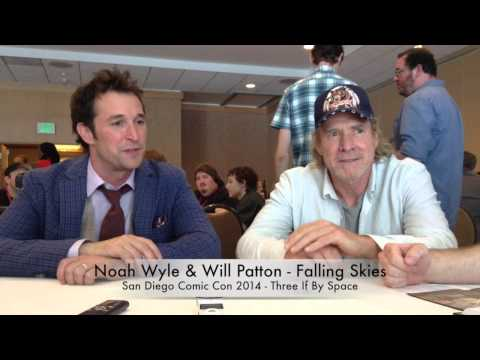 Comic Con 2014 Falling Skies Interview - Noah Wyle & Will Patton Part 1