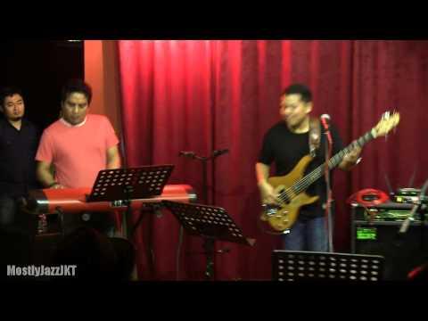 Sandhy Sondoro ft. Indra Lesmana - Why Don't We  @ Mostly Jazz 01/05/13 [HD]