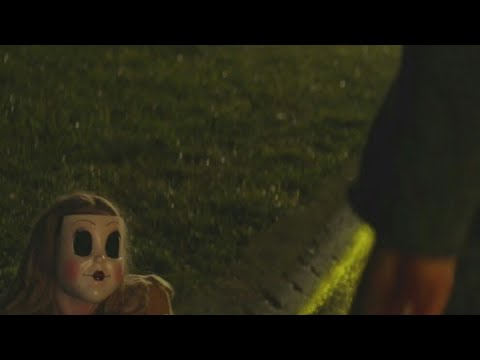 The Strangers: Prey at Night  Kinsey kills and unmasks Dollface Scene