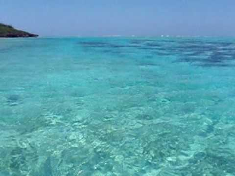 皆田海岸まであと少し。青い海の中を移動