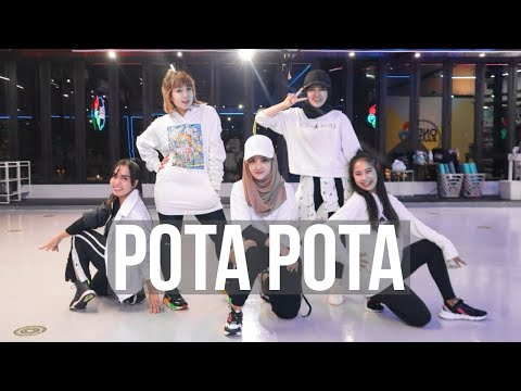 Les Copines Pota Pota (Trop Tard) Aya Nakamura TikTok Song Viral   Zumba Gampang   Linda Kayhz