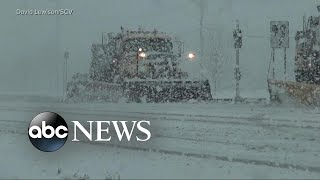 Nor'easter brings whiteout conditions and thundersnow to Northeast