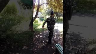 вот как нужно ходить строевой)))