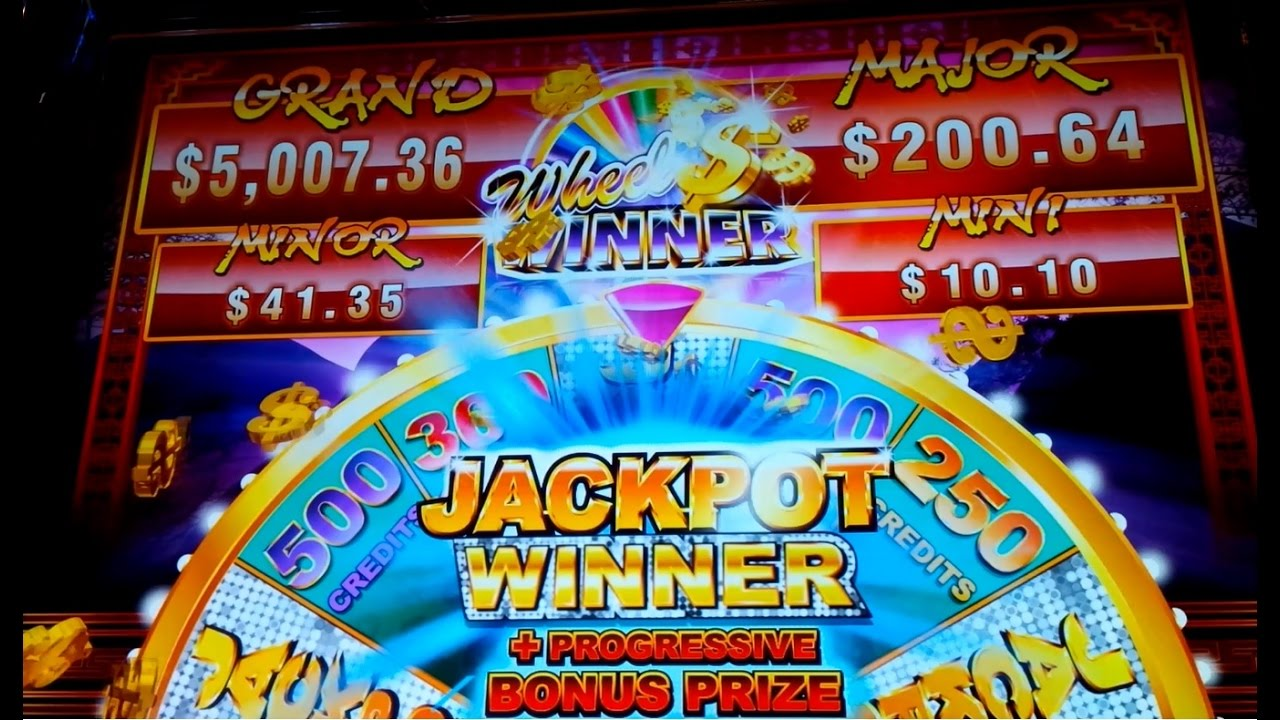 Progressive slot machine winner