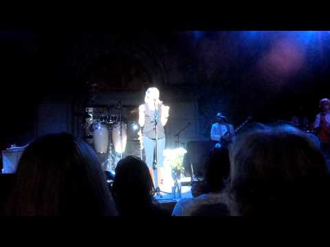 Colbie Caillat - I Never Told You Intro - Saratoga - 8/22/12