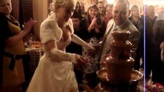 Шоколадный фонтан на свадьбе 2