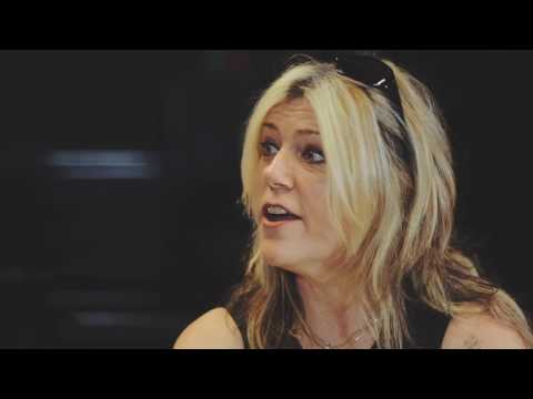 Donita Sparks (L7) on pranking the Lilith Fair and Warped Tour [#fhtz]