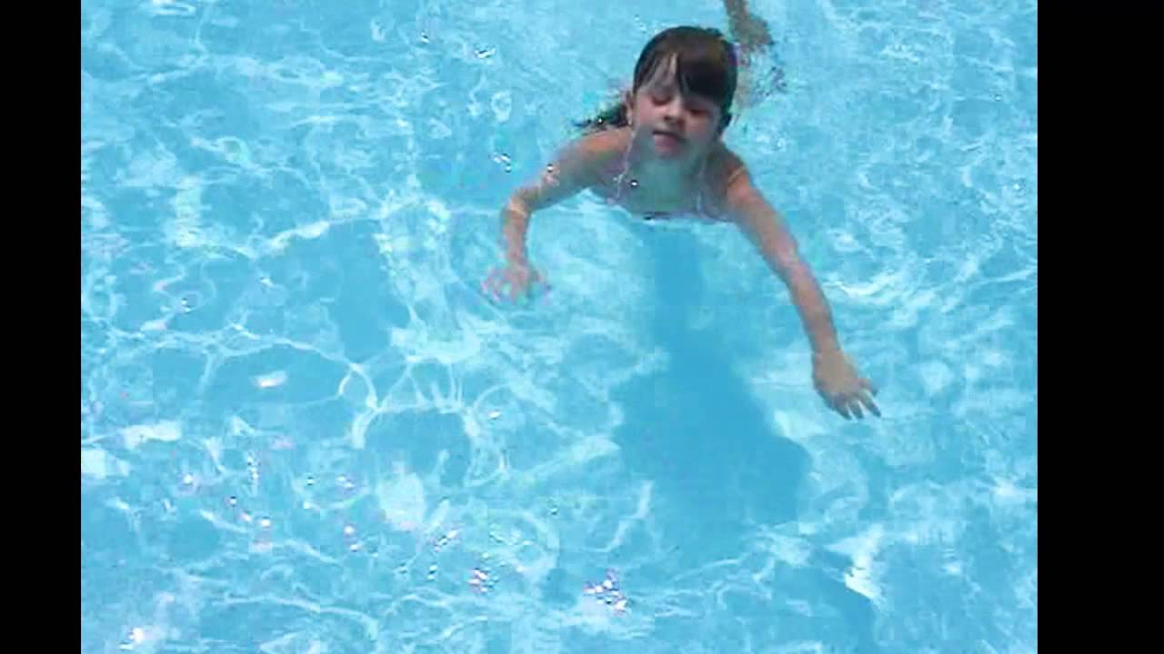 Annie The Water Bug Swimming Trying New Tricks Underwater Youtube
