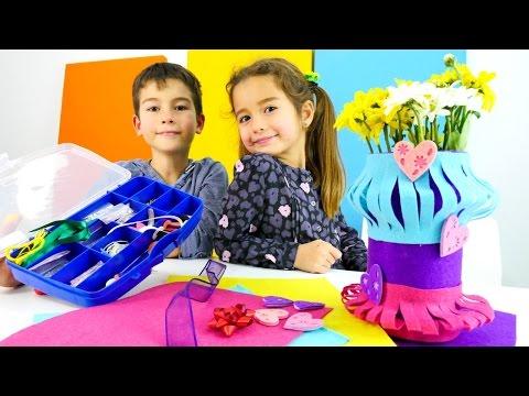 Eren ve Ceylın Kadınlar Günü için annesine hediye yapıyorlar