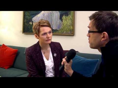 Anna-Karin Hatt kort intervju om fossilfri fordonsflotta 2030