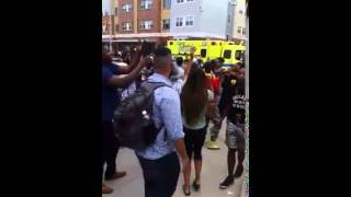 Police harassment leads to crowd singing Kendrick Lamar