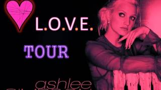 Ashlee Simpson -  Burning up( L.O.V.E. Tour LIVE ) *4