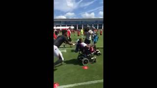 Jameis Winston works with Special Olympics athletes