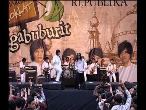 Djarum Coklat Ngabuburit 2011 - Perdamainan by GIGI featuring Candil dan Iwa K