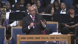 Aretha Franklin's family says pastor's eulogy was offensive