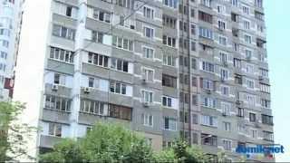 Княжий Затон, 7 Киев видео обзор(Княжий Затон, 7 -- типичный 16-этажный панельный дом постройки середины 90-х. В доме чистое и ухоженное парадное..., 2014-09-02T13:36:00.000Z)