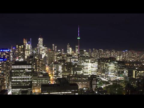 Toronto skyline - day to night in 30 seconds