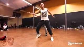 Классный танец под Майкла Джексона.
