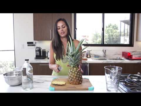 How to Cut a Pineapple and make a Probiotic Drink with the P