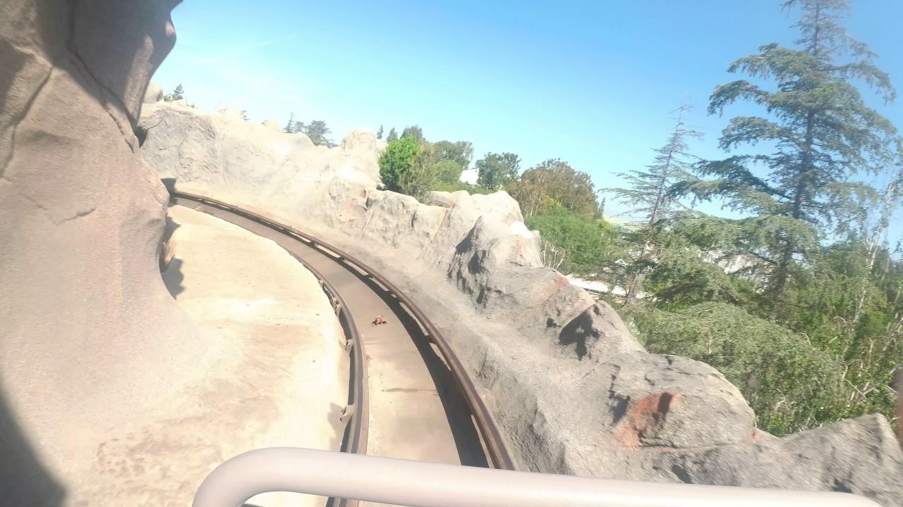 4k 2017 Matterhorn Bobsleds Tomorrowland Side 60fps Disneyland