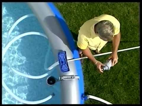 Piscine bestway 07 entretien piscine youtube for Aspirateur piscine skimmer
