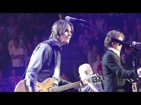 Paul McCartney Venus & Mars - Rock Show - Jet - Philadelphia 8-15-10.MP4