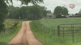 Coming Home, a clip from The Amish: Shunned