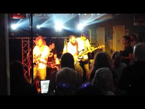 The Burns - Big Pharma - Live @ APYC - 07/01/2017