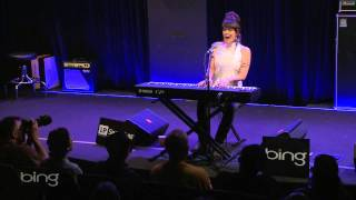 Beth Hart - Caught Out In The Rain (Bing Lounge)